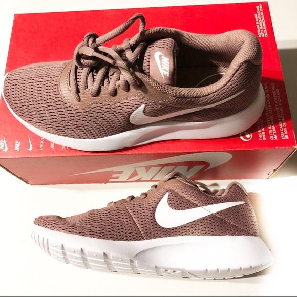 Nike Tanjun Sneakers Smokey Mauve